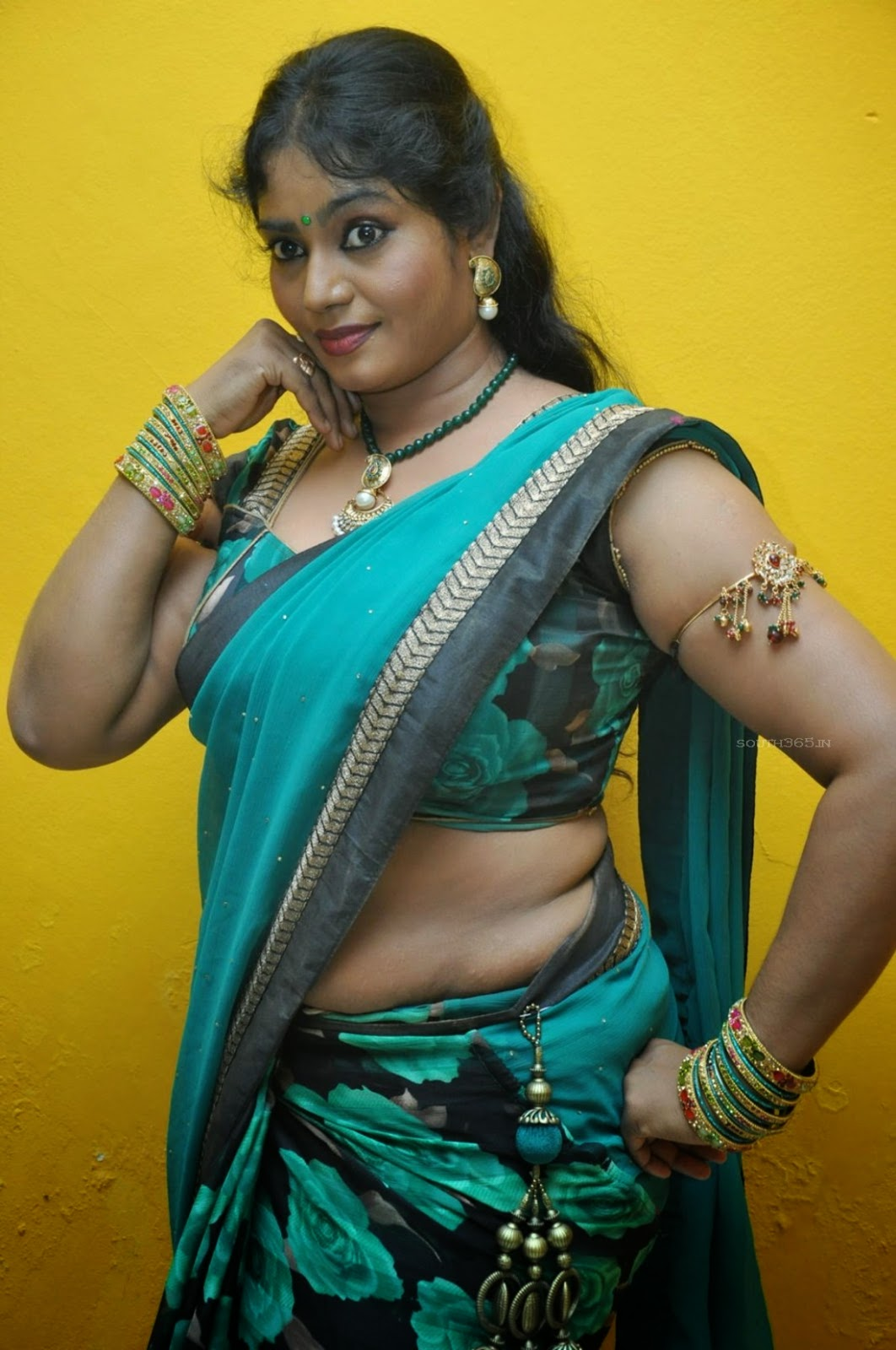 Tamil Aunty Lovers-8910