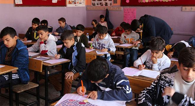 Diyarbakırlı çocuklardan Kur'an Pınarı sınavına yoğun ilgi