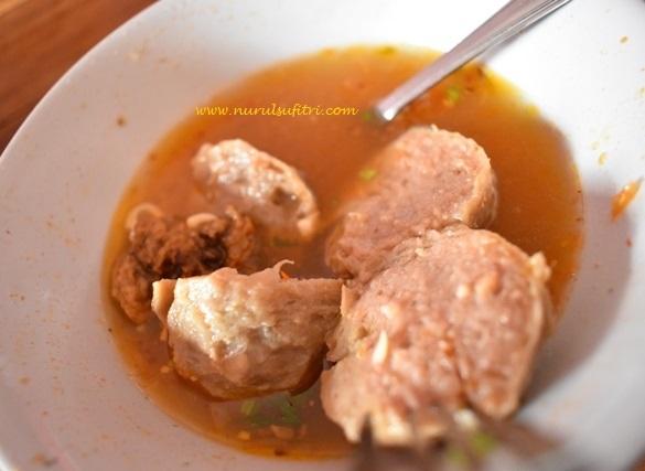Nurul Sufitri S Blog Kuliner Bakso Seuseupan Di Kota Hujan