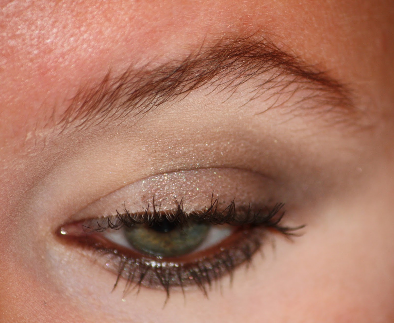 Die Zauberin Zebulon Taupe Eye Makeup