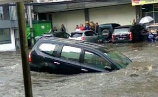 Banjir Kembali Genangi Jalan Pagarsih Kota Bandung