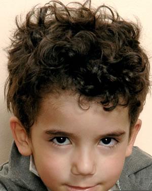 Corte de pelo para ninos pelo rizado