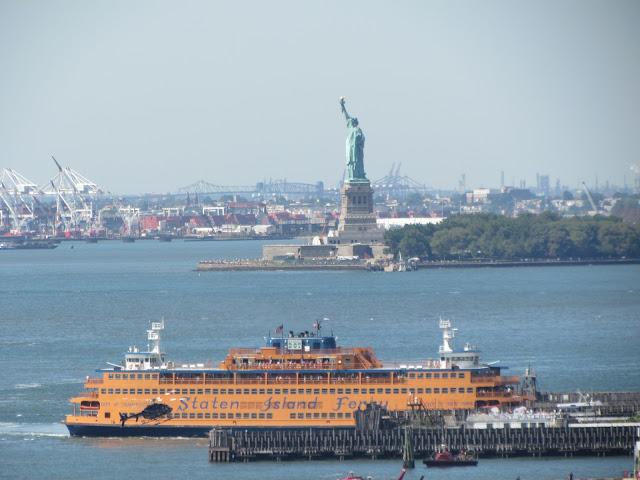 вид на Статую Свободы Нью-Йорк