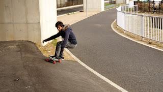 K氏のサーフスタイルスケートボードスクール / バンクでサーフスケート