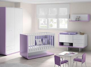 Habitación bebé blanco violeta