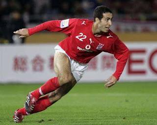 لاول مرة محمد أبو تريكة لاعب النادى الأهلى خارج قائمة اللاعبين التى تخوض مباراة البرازيل