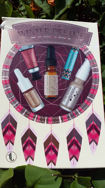 Josie Maran Winter Dreams Kit Holiday 2014 - www.modenmakeup.com