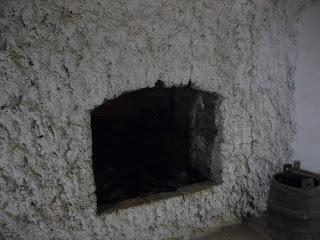 Замок Сент-Миклош. Художник с женой поселились в замке, чтобы постоянно заботиться о нём