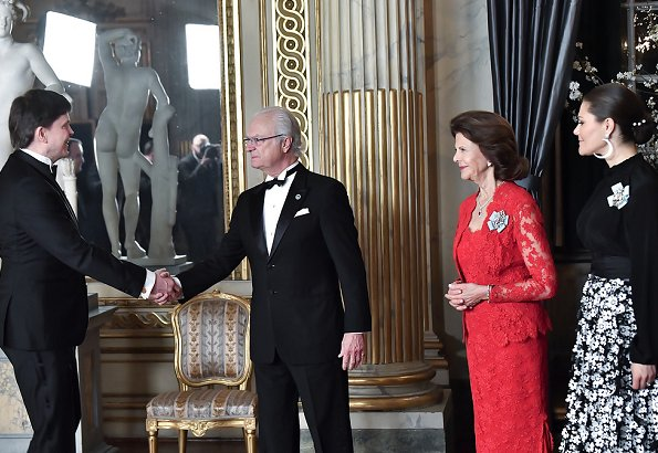 Queen Silvia, Crown Princess Victoria, Prince Daniel, Prince Carl Philip and Princess Sofia. Style of Royals, gown