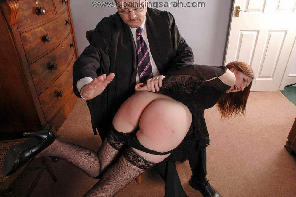 потом фото спанк наказание секретарши подготовив