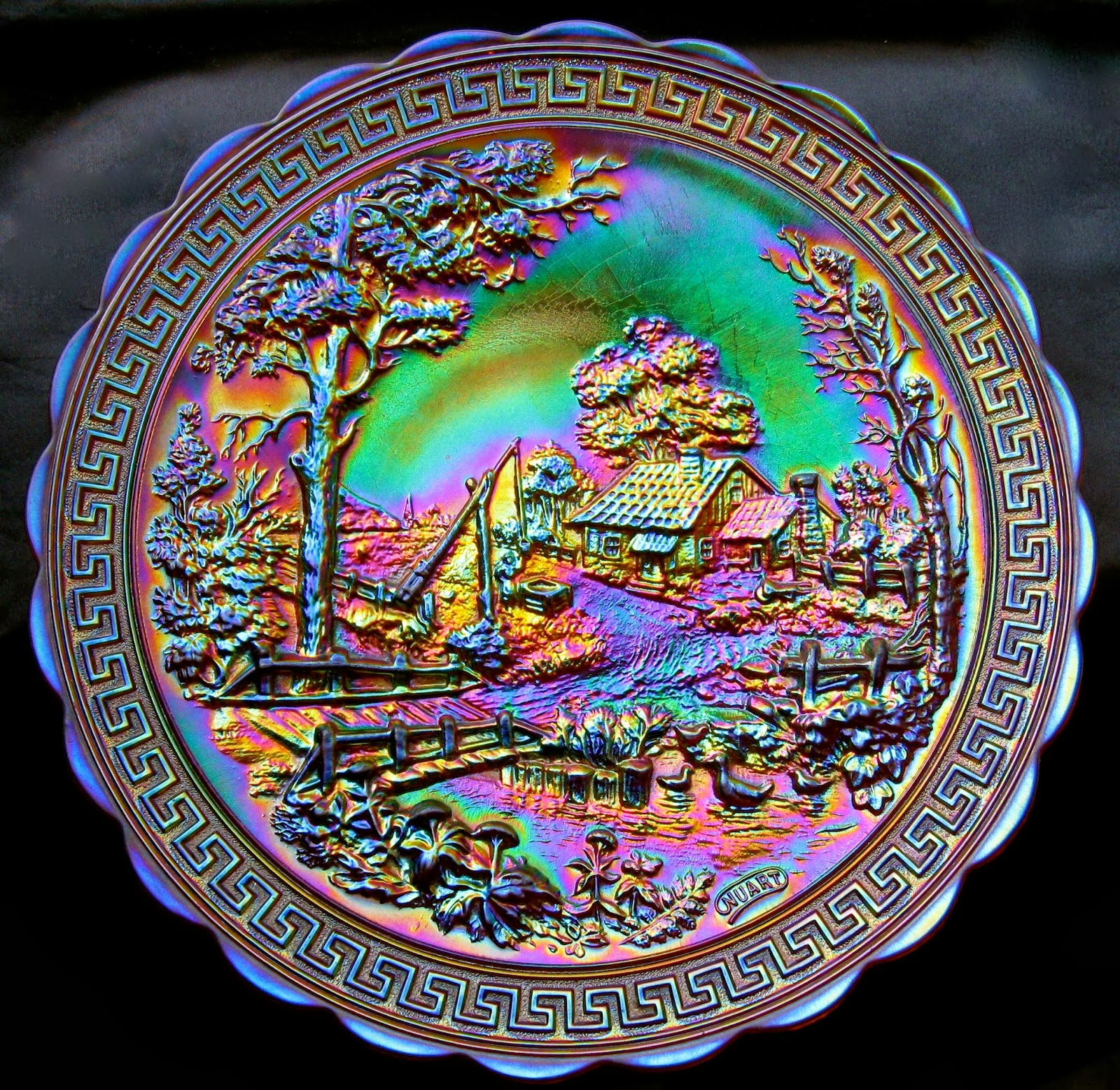 Dan Ruth - Among The Collectors: Carnival Glass - A Legacy