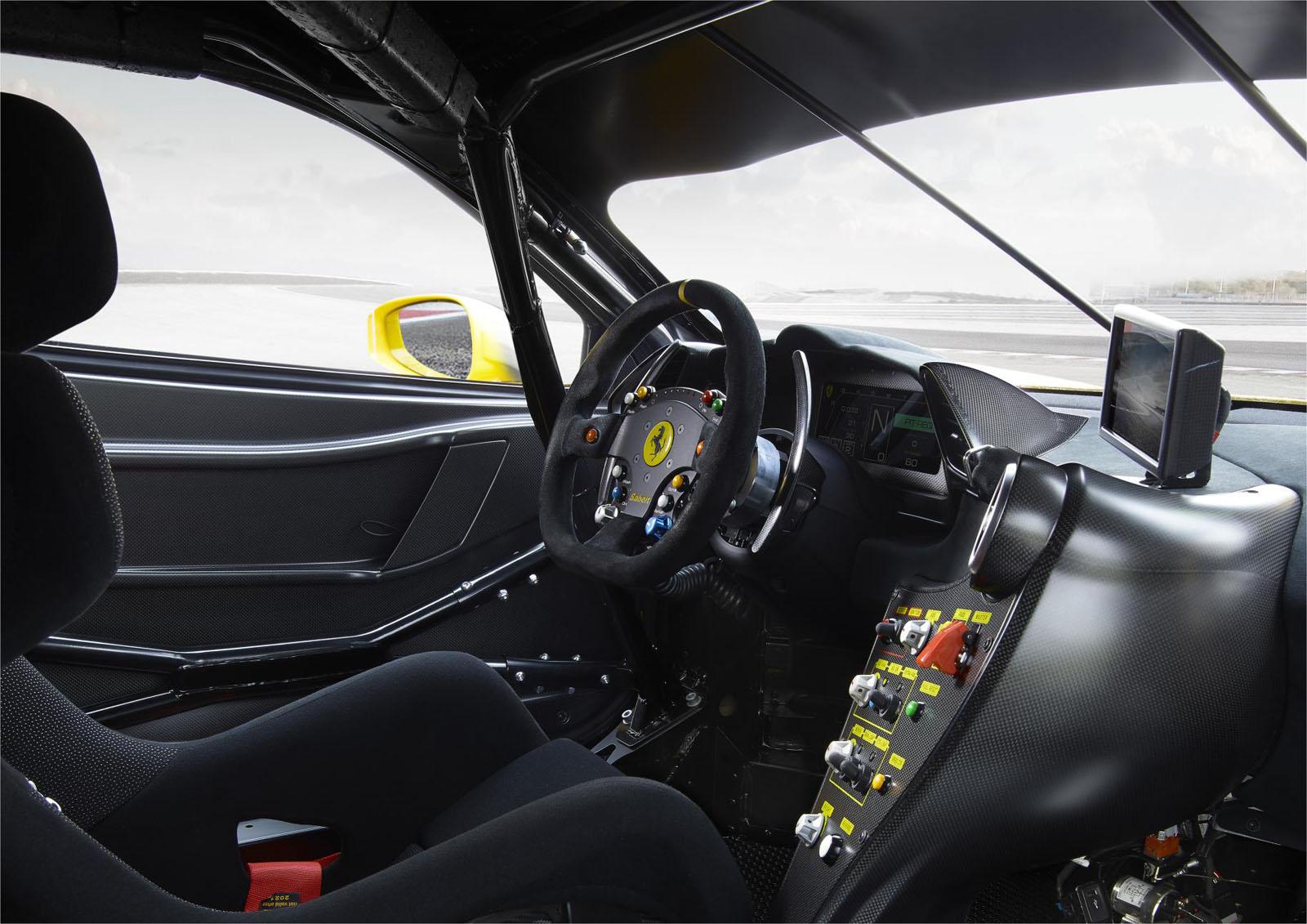 2018 - [Ferrari] 488 Pista - Page 6 Ferrari_488_Challenge_interno_2