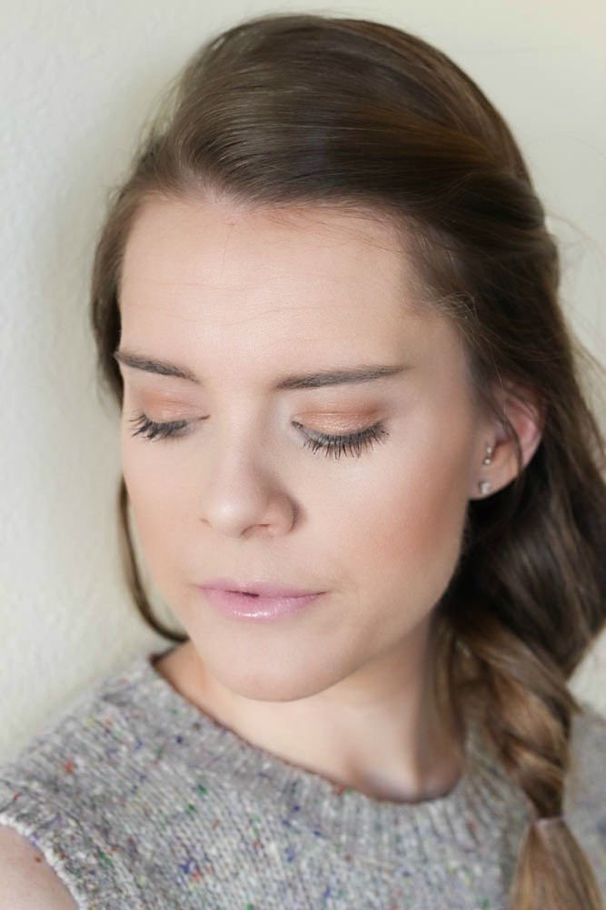 Bronzed makeup for Spring