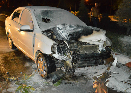 Quảng Ngãi Ôtô và xe máy bốc cháy sau cú tông một người chết