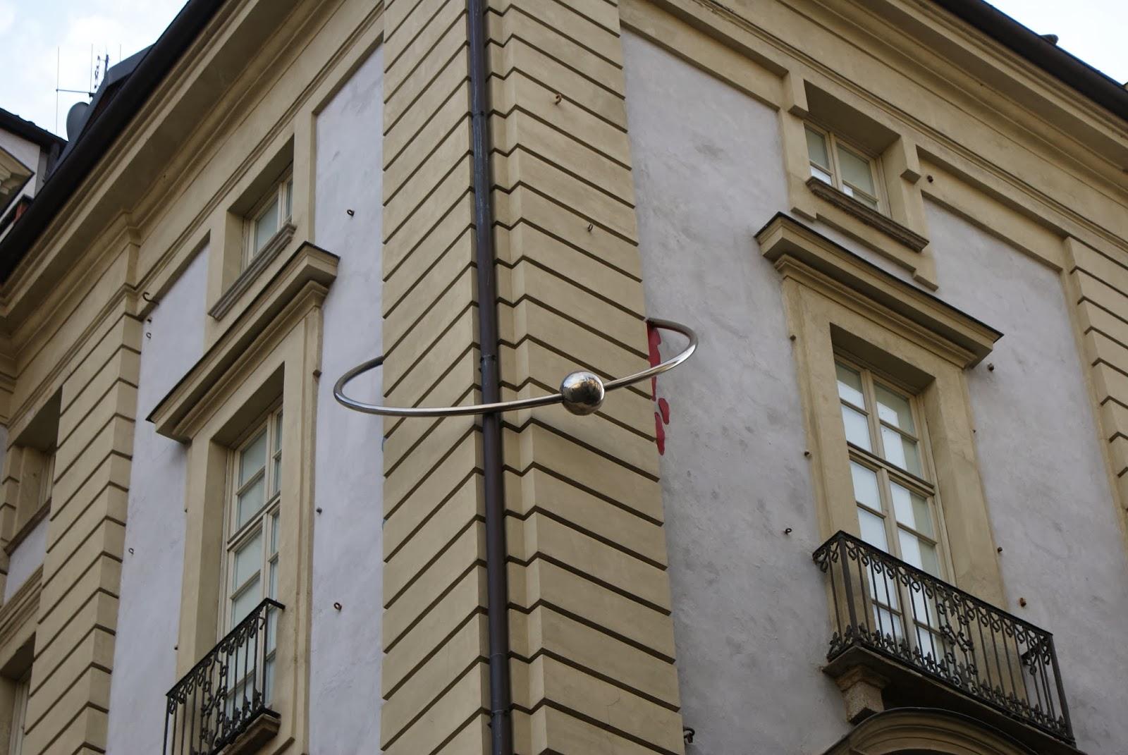 Casa con il piercing, Torino