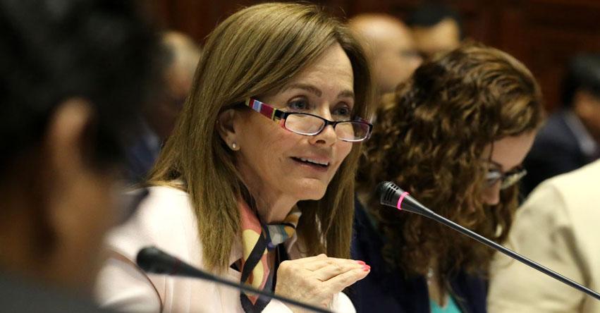 Citan al Congreso a Ministra de Educación Marilú Martens por Currícula Escolar 2017