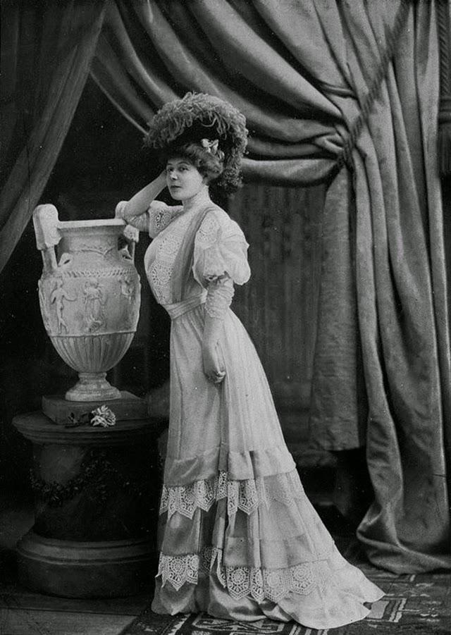 Beautiful Parisian Women S Fashion From The 1900s