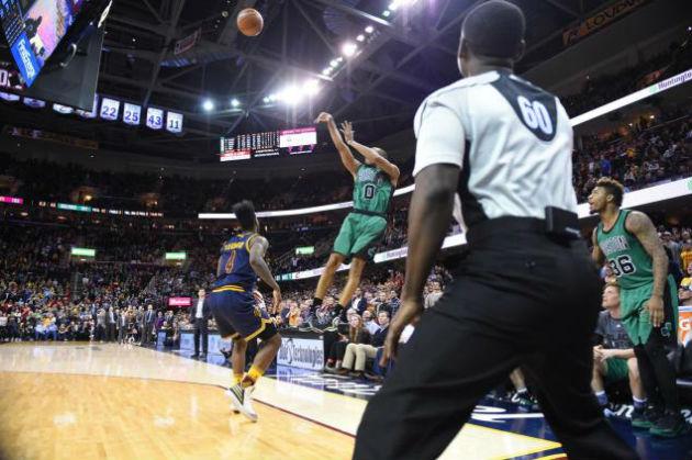Les Cavaliers de Cleveland emmenés par LeBron James vont-ils prendre leur revanche face aux Celtics de Boston d'Isaiah Thomas ? Réponse cette nuit !