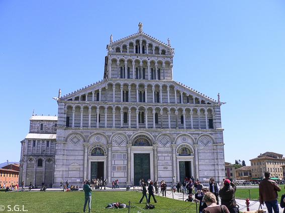La catedral de la Piazza del Miracoli en Pisa