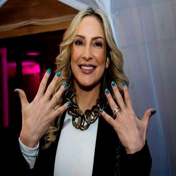unhas-da-Claudia-Leite