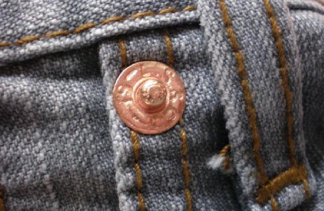 http://infosaya21.blogspot.co.id/2016/09/fungsi-kancing-kecil-saku-celana-jeans.html