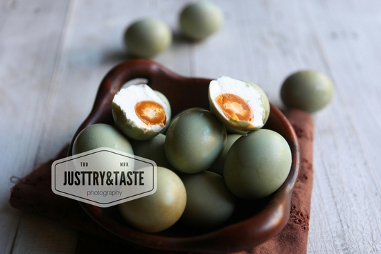 Resep Homemade Telur Asin (Metode Rendam)