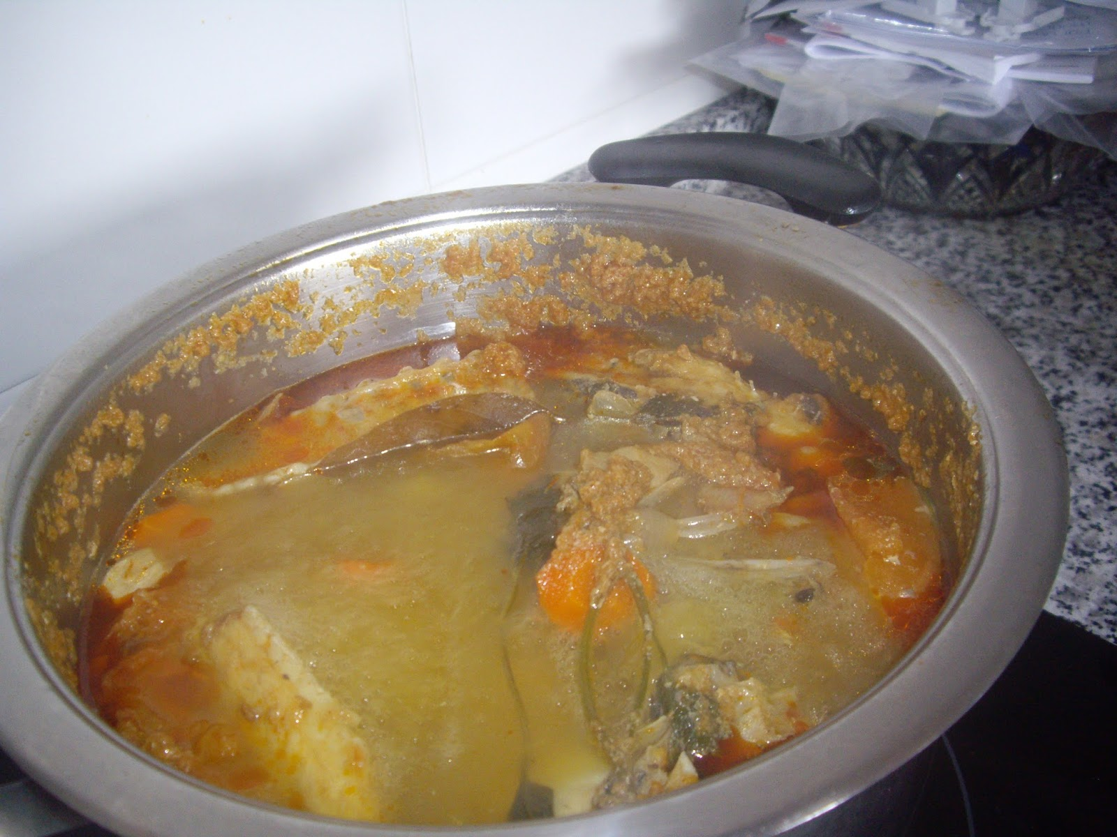 Harinaygasolina como hacer fumet de pescado caldo de pescado un basico de la cocina - Cocinar pescado congelado ...