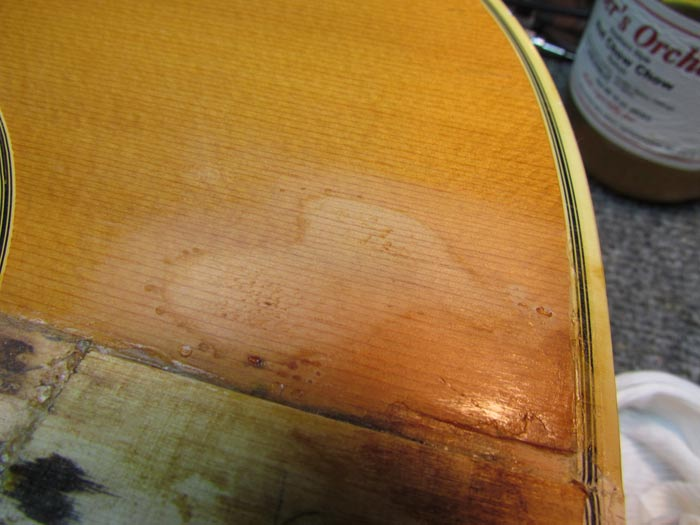 Matching Yellowed Lacquer for Guitar Finish Repair Crawls