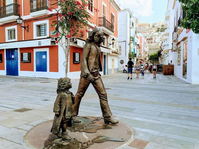 Monumento a los hippies Ibiza