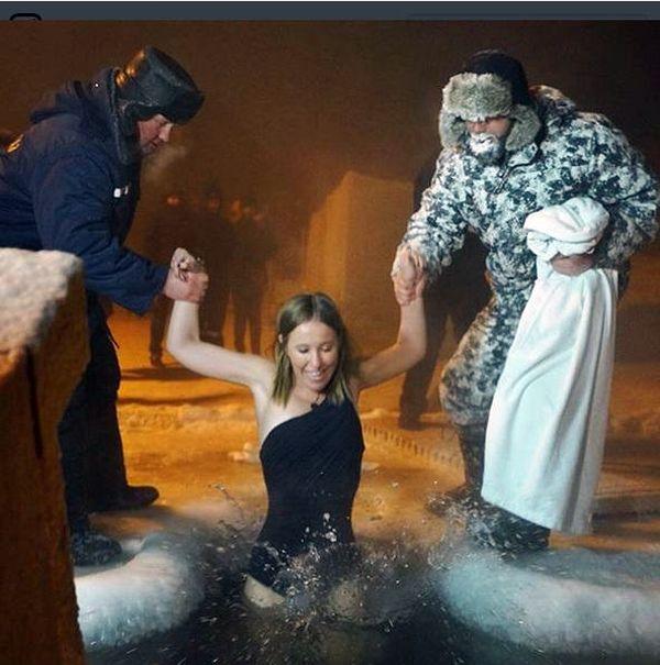 Собчак предупредили об опасности «креститься фекалиями»