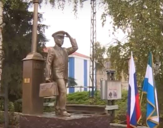 В Уфе появился первый в Башкортостане памятник машинисту