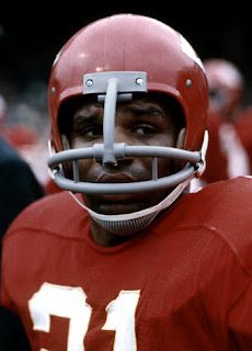 cd90e27b7aae The Chiefs equipment manager was very creative with masks that combine two  mask for players like Otis Taylor and Morris Stroud.