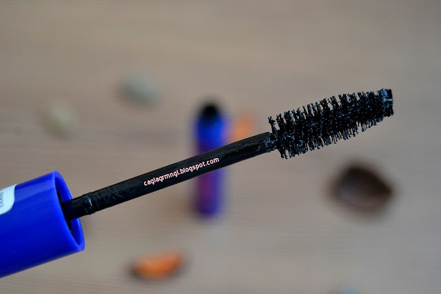 Essence-i-love-extreme-volume-mascara-waterproof