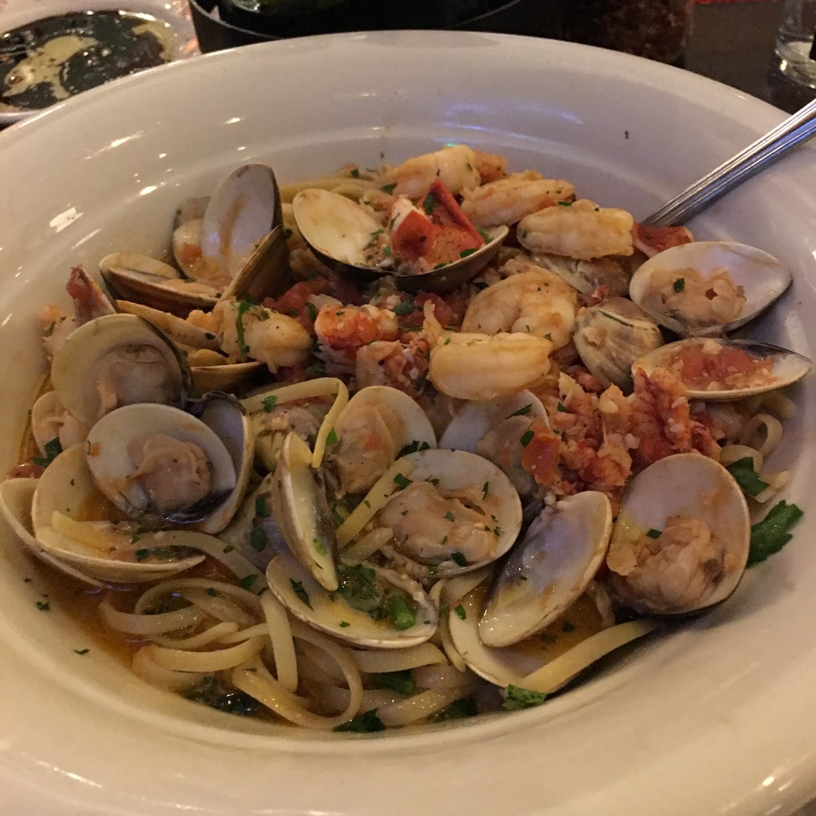 Denver To Hawaii: TASTE OF HAWAII: MAGGIANO'S LITTLE ITALY