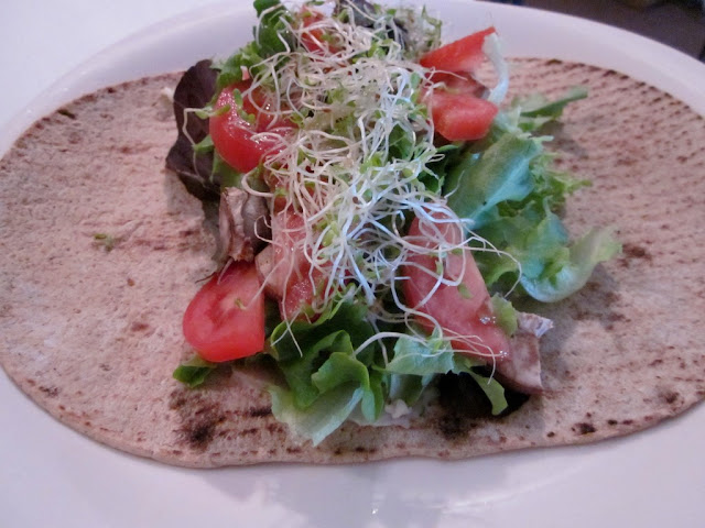Low Calorie Tomato and Mushroom Wrap #healthywraprecipe