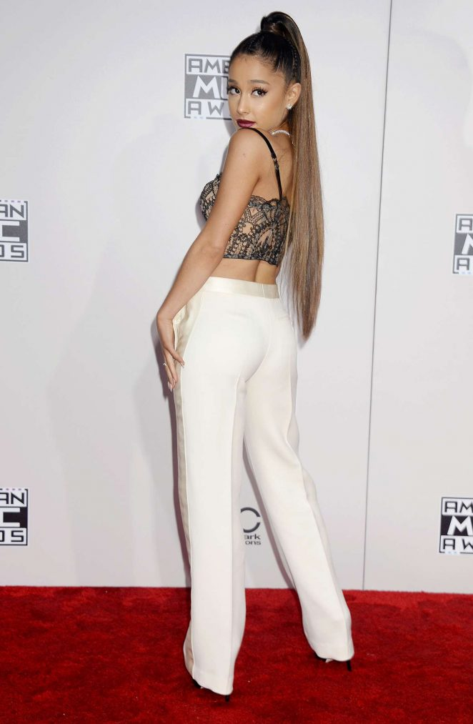 Ariana Grande wears lace cropped top to the 2016 American Music Awards in Los Angeles