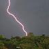 Relâmpagos, trovões e vento forte marcaram a tarde de quinta-feira