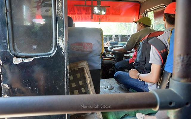 Bus Semarang - Jepara kala siang hari