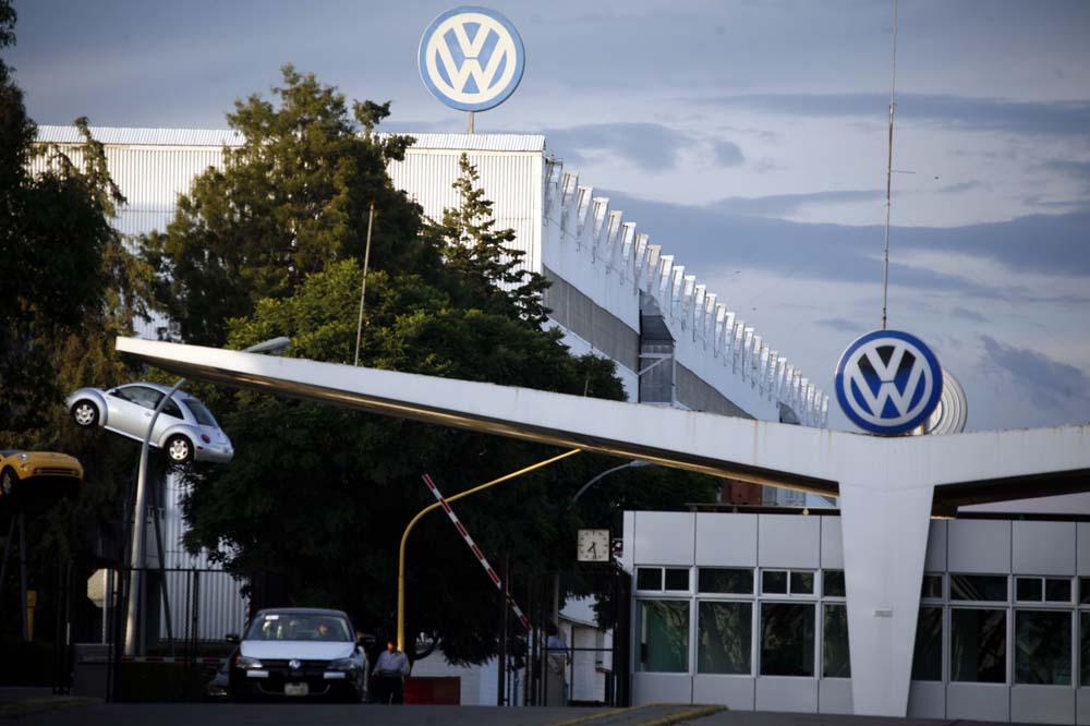 VW lanza bombas antigranizo para proteger a sus vehículos pero afecta a 100 mil personas en Puebla