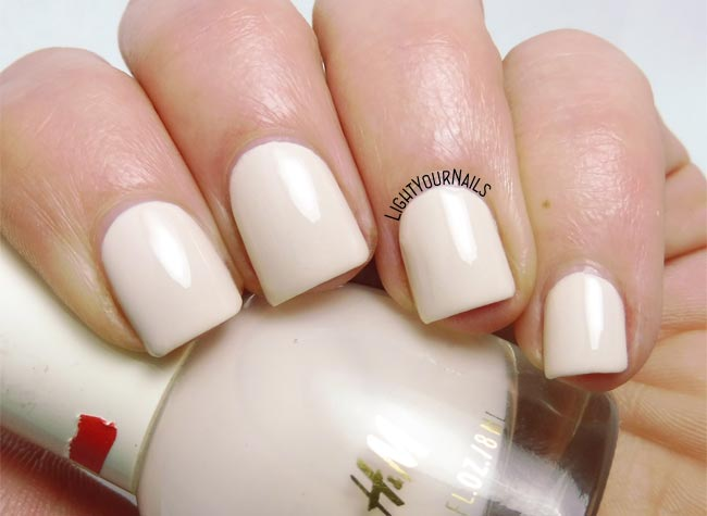 Smalto H and M Masala Chai nail polish swatch #nails #unghie #lightyournails