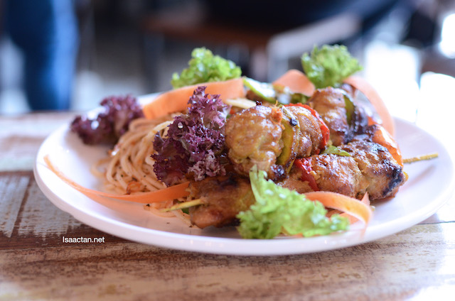 Serunding Aglio Olio Spaghetti with Sweet Ayam Percik Skewer - RM20