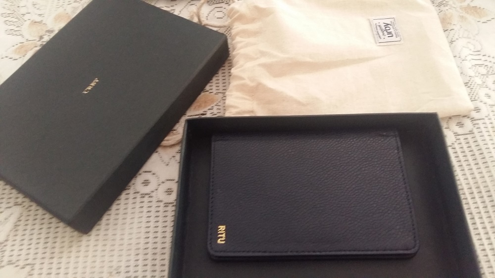URBY Passport Holder Review: Ultimate guide for buying the best passport holder 3