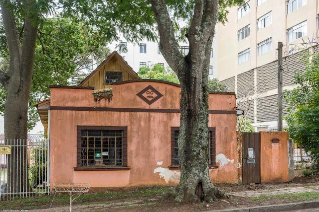 Casa na Rua Raquel Prado, provavelmente construída em 1956.