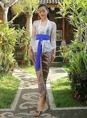 Model Kebaya Lamaran Khas Bali Klasik