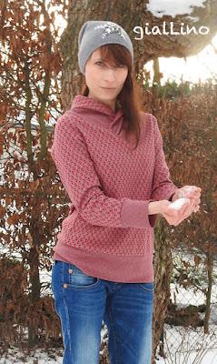 College Sweater mit überlappendem Kragen