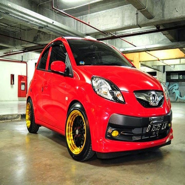 honda brio warna merah 2018 with Modifikasi Honda Brio on 33459 likewise Img2 as well Brio Matic Bandung Mobil Second Bagus further 3682 Harga Dan Spesifikasi Mobil Toyota New Venturer additionally Img1.