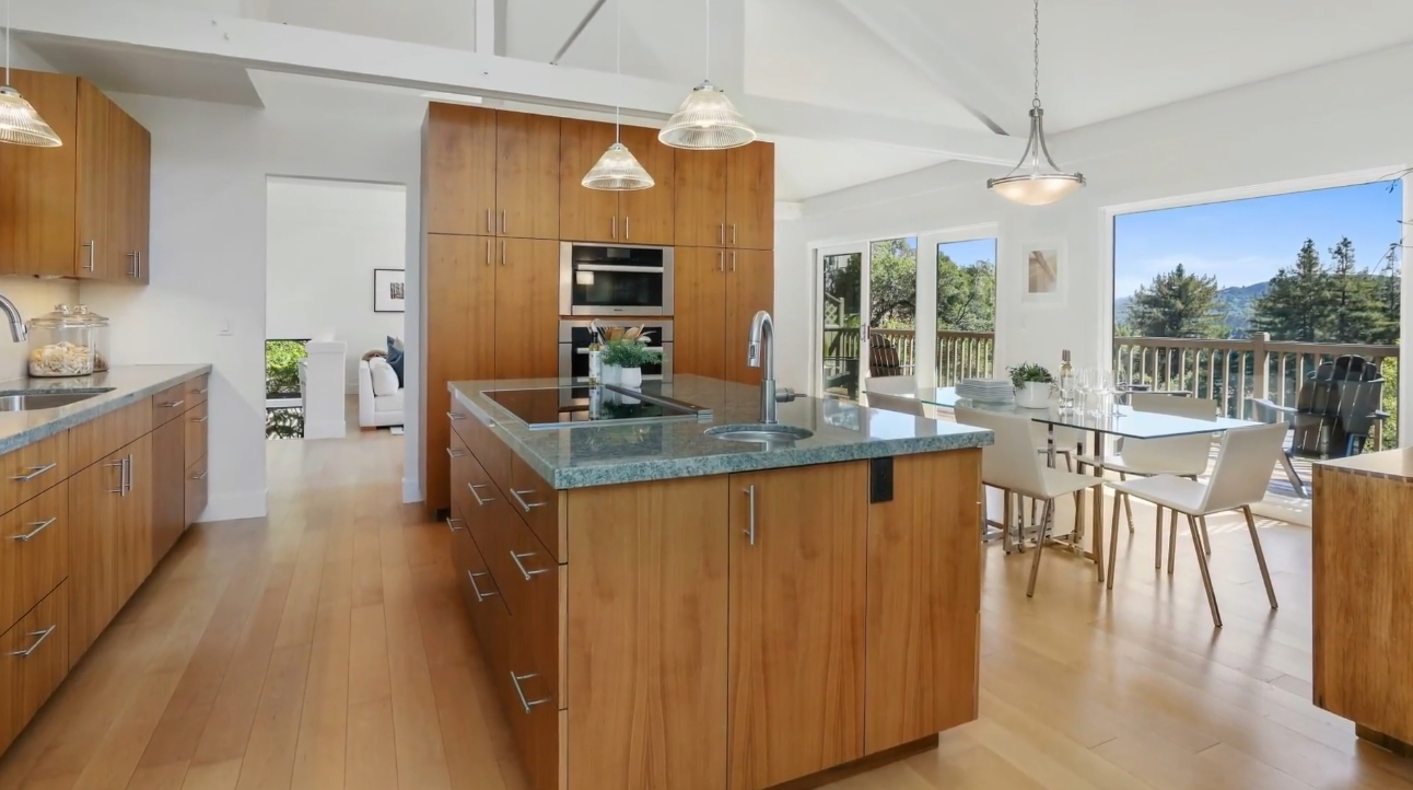 24 Photos vs. 54 Greenwood Way, Mill Valley, CA Home Interior Design Tour