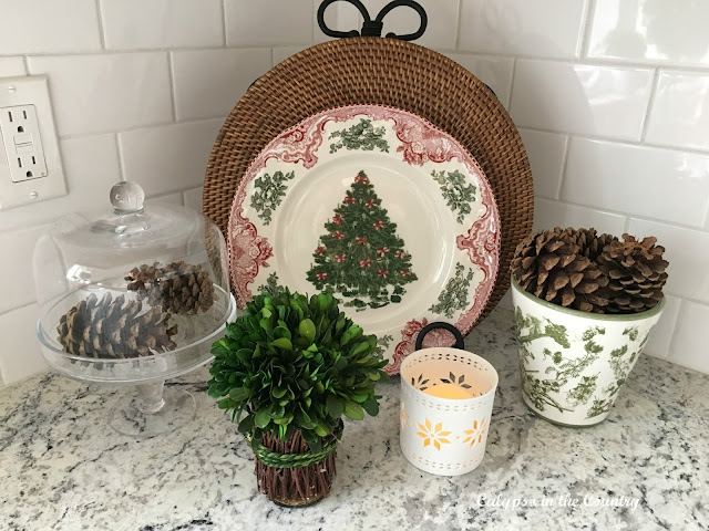Red and Green Christmas Vignette