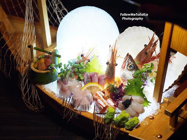 Chef Special Sashimi An Amazing Sashimi Platter With LED Light