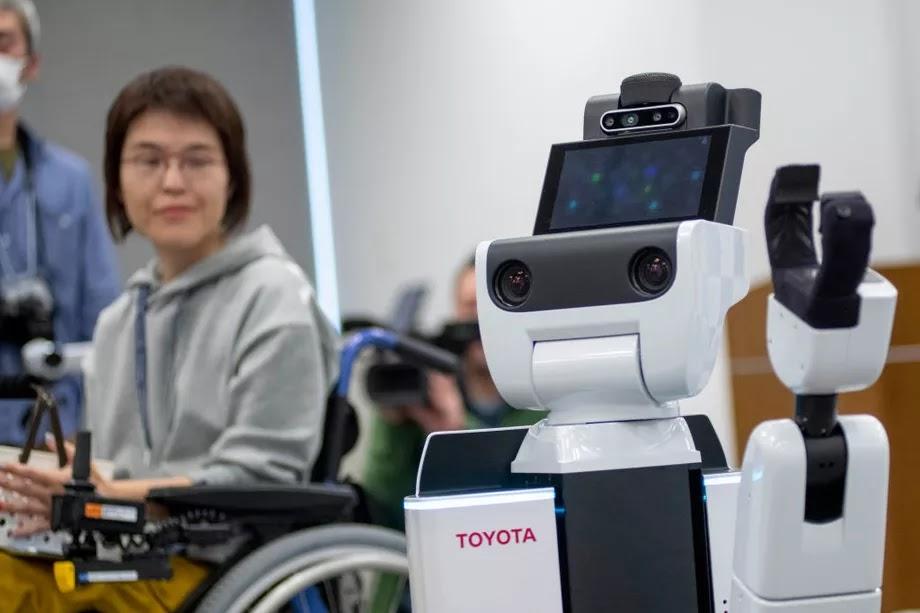 Japonya, 2020 Olimpiyatları İçin Robot Asistanlarını Açıkladı